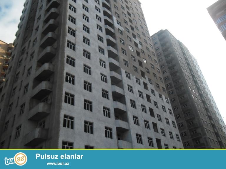 Yeni Yasamalda   3otaqli temirsiz menzil 102kv,21/12 bina yeni tikilib