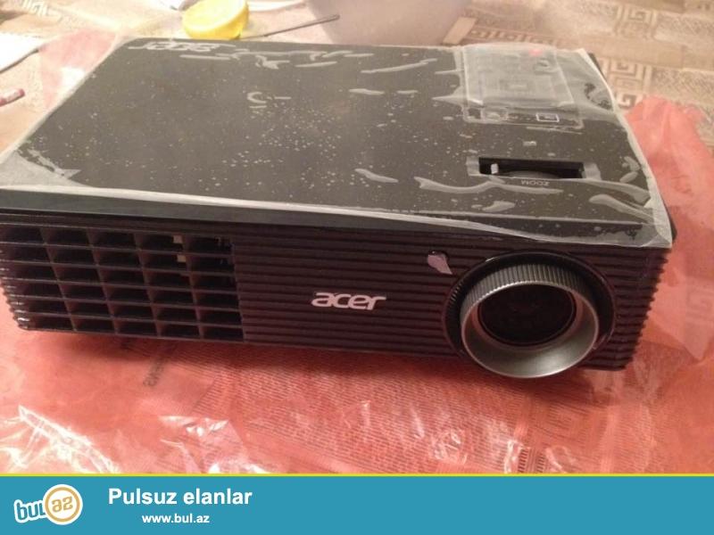 acer x112(coe) proyektor satilir. lamoanin dovru 7000 saatdir...