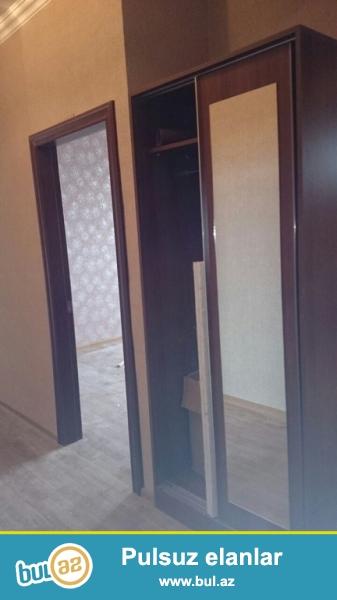 Очень срочно!  На Йени Йасамал  около Бизим маркета  сдается в аренду на долгий срок   3-х комнатная квартира нового строение  7/11,  площадью 80 квадрат ...