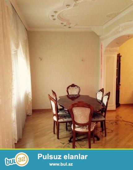 Очень  срочно! Сдается в аренду для солидным клиентам  4-х комнатная  квартира старого строения  150 кв  3/4,  по проспекту Г...
