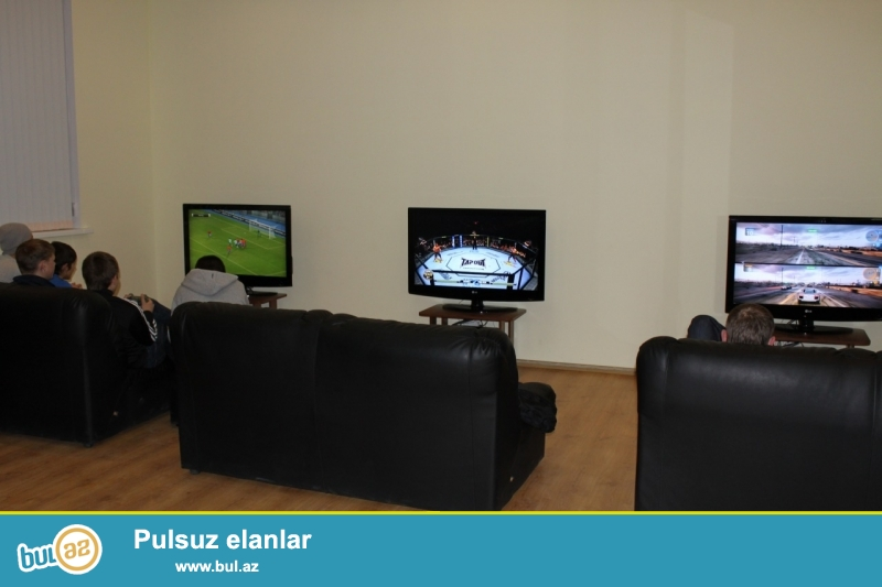 Playstation klub təcili satılır. 1 ədəd işıqlı reklam (uzunluğu 2 metr eni 70 sm), 4 ədəd Playstation 3, 4 ədəd divan, 4 ədəd 94 ekran plazma televizor...