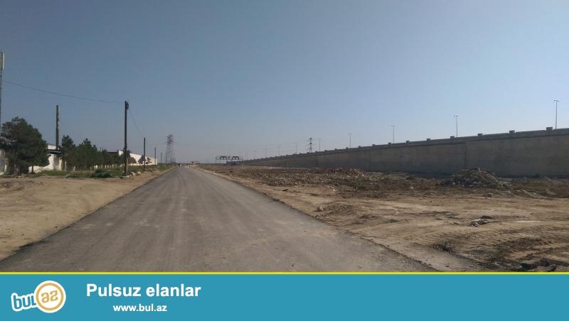Binə qəs., Aeroport yolundan 500m məsafədə, ideal ərazidə torpaq sahəsi...