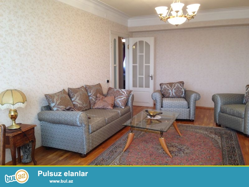 Cдается 2-х комнатная квартира в центре города,около памятника Нариманова...