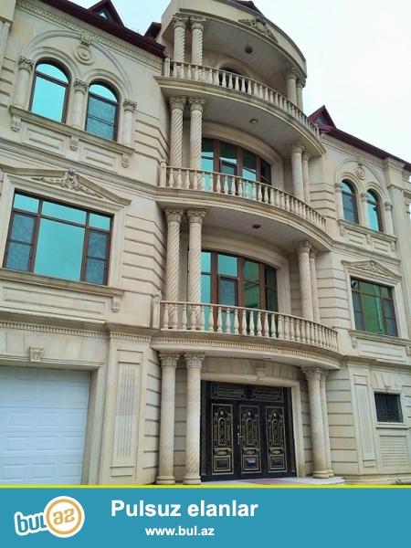 Очень срочно сдаётся в аренду на долгий срок 4-х этажный , 8- комнатный особняк расположенный вблизи  проспекта Теймура Алиева ...