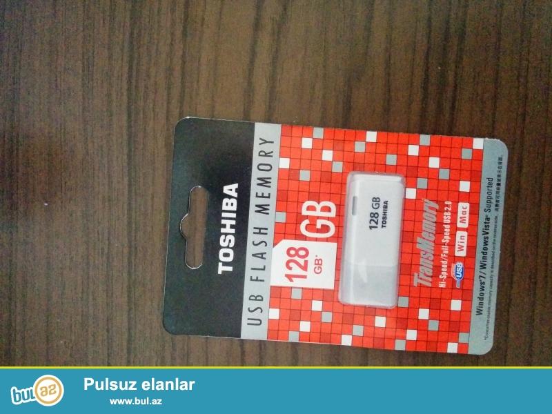 Adi: Toshiba<br /> Novu: USB 2.0<br /> Veziyyet: Yeni<br /> Tutumu: 128 GB