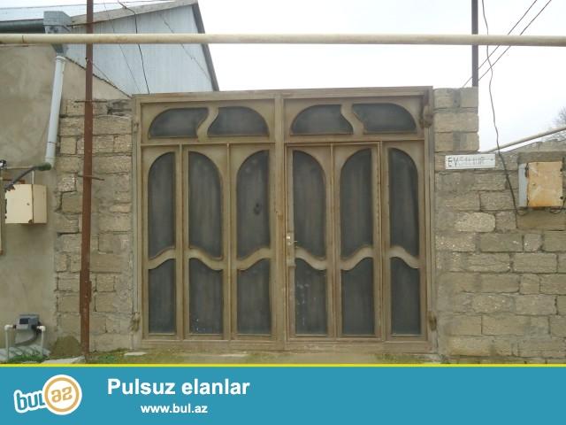Faiq Sabunçu rayonu, Ramana savxozu, əsas yoldan 200 metr məsafədə, 163 nömrəli marşurutdan 150 metr məsafədə, məktəbin yaxınlığında, 2 sot torpaq sahəsində ümumi sahəsi 80 kv...