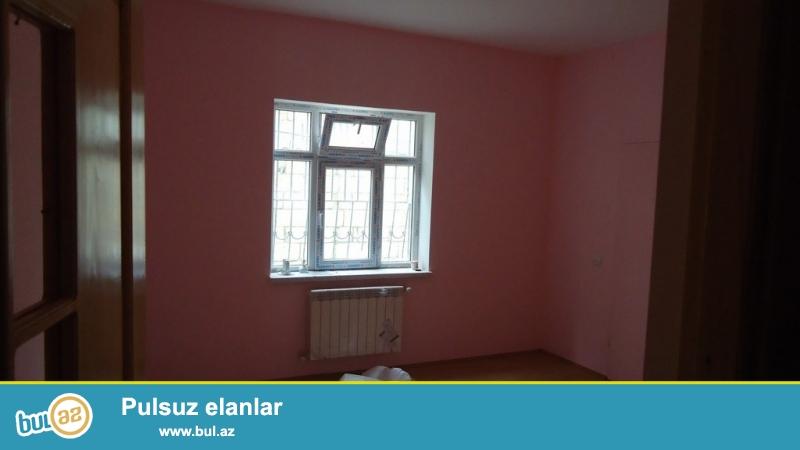 Срочно! В Бадамдаре продается в аренду 3-х этажная, 8-и комнатная, площадью 658 квадрат, с евро ремонтом вилла...
