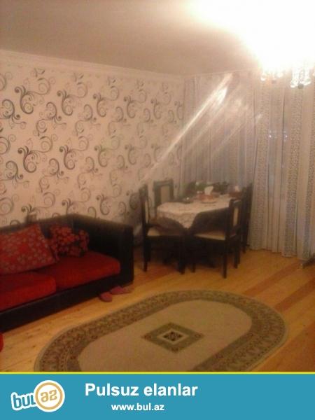 Очень срочно на Ясамале рядом с АТС продаётся 3-х комнатная квартира   старого строения   1/5 ...