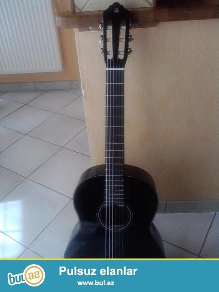 yamaha c 40 black gitara 1 ay yarim islenmis