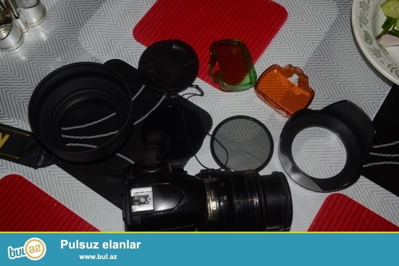 Nikon d40 Satiram  230 Azn Hec Bir PRablemi yoxdu <br /> NIKON 3100 Satiram D90 Obiyektivi ustunde gunese qarsi linzalar 0...