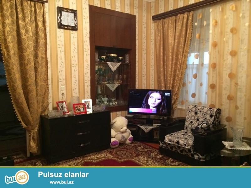Weherin merkezinde  Nizami  kuc 77/9 , Tarqovuda - Veten kinoteatirinin heyetinde ev satilir...