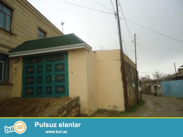 HƏCİ Sabunçu rayonu, Zabrat 2 qəsəbəsi,kiçik məscidin yaxınlığında,əsas yoldan 200 metr məsafədə 3 sot torpaq sahəsində 6 daş kürsülü ümumi sahəsi 220 kv...