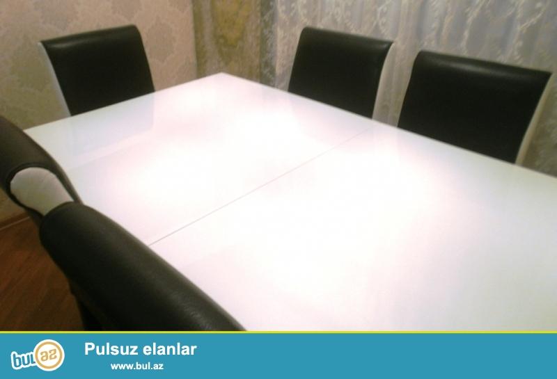 Stol+6 stul – 1 əd, ağ-qara rəngdə, Türkiyə, dəri stullar
