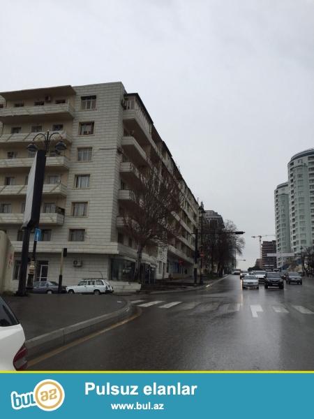 Cдается 3-х комнатная квартира в центре города, по улице С...