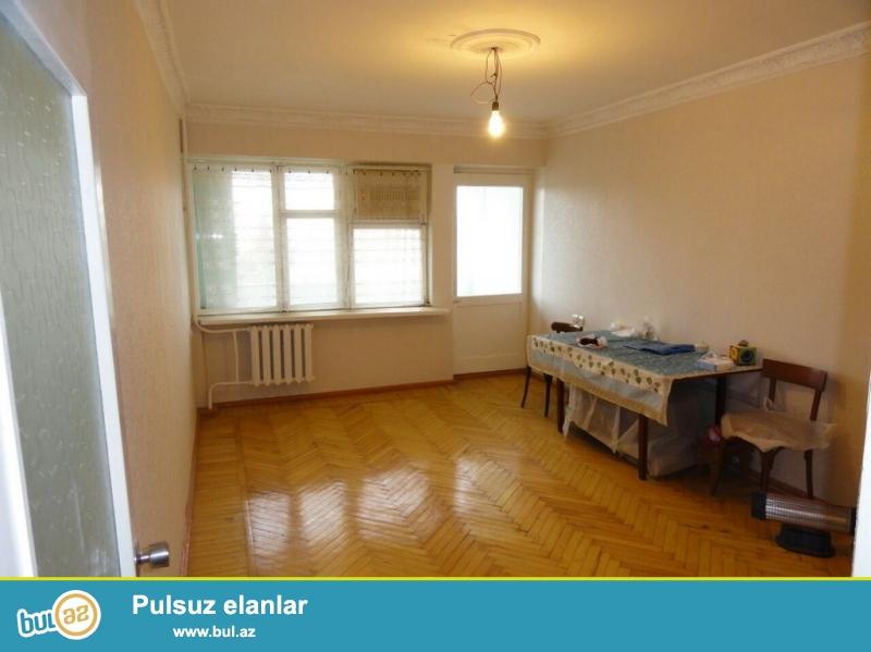Очень Срочно! Продается   2-х комнатная  сквозная квартира  старого строения  3/9 ...