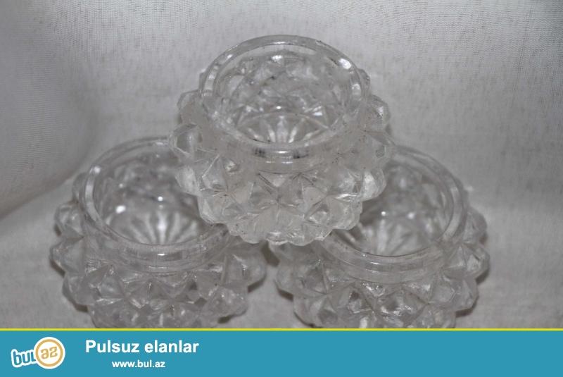 Çexiya istehsalı olan büllur duz qabları satılır...