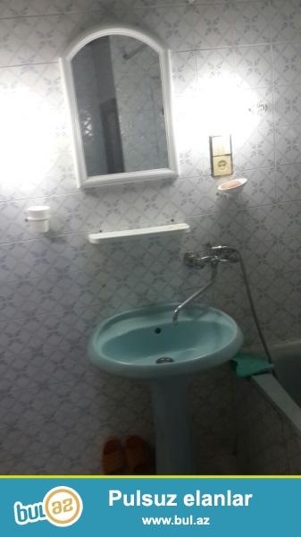 Təcili Gənclik metrosunun yaxinliqinda Maqsud Elizadə küçəsində yerləşən 52 m2 sahəsi olan 4/2 mərtəli 2 otaqlı mənzil  kirayə verilir...