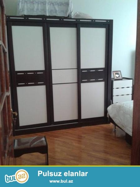 Kukla teatrla üzbəüz yaxşı təmirli 5-in 4-ə arxitektur daş bina kupçalı ev satılır...