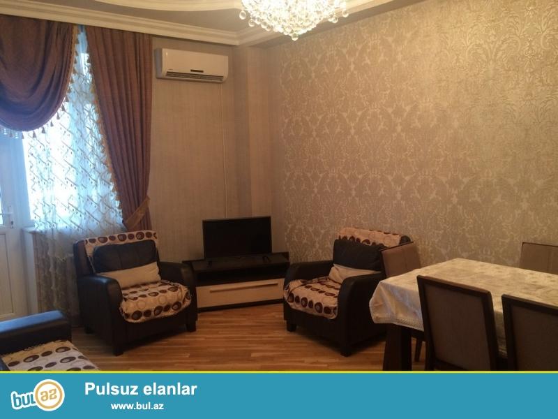 Очень  срочно ! В близи метро Нариманов   сдаётся   в аренду на долгий срок   3-х комнатная  квартира нового строения  15/18...