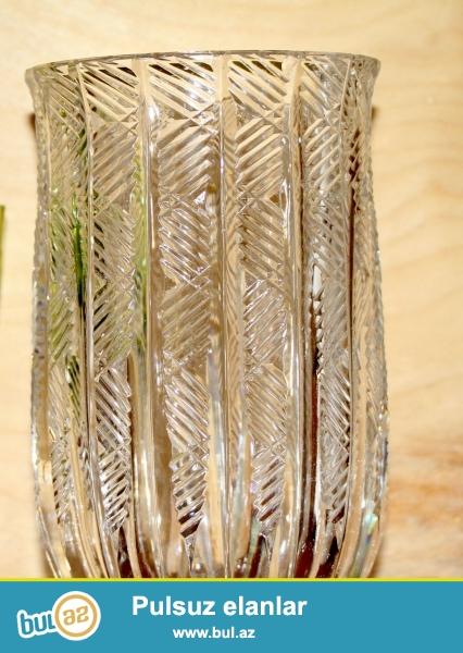 Çexiya istehsalı olan büllur gül qabı satılır ...