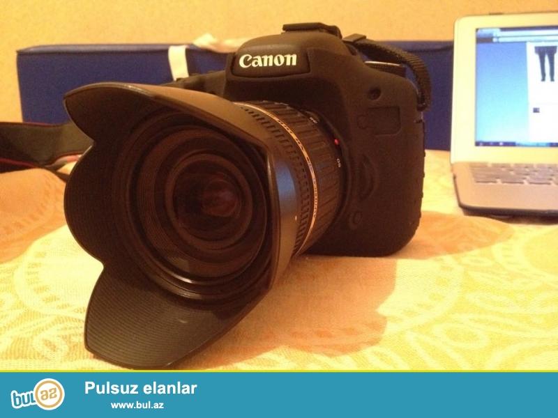 Canon 7 D (2500 probeg) + lens Tamron 17-50mm f/2.8 + filter 2 eded + silicon uzluk kamera ucun + display uzluk + Lowerpro bel chantasi + 16 gb 120mb/s CF kart ( qutusu ve kabelleri yerindedir) (kamerada hec bir ciziq leke ve defect yoxdur) Qiymet 1100 Azn <br /> Canon 6D ile barter olunur ustunde pul vererem...