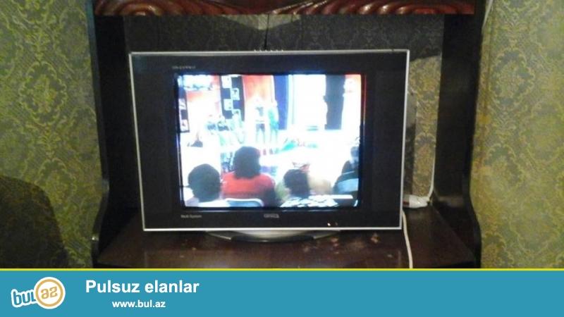 Orvica televizor satilir 50 Azn awagi yeride var hec bir problemi yoxdur ela veziyyetdedir super gosterir