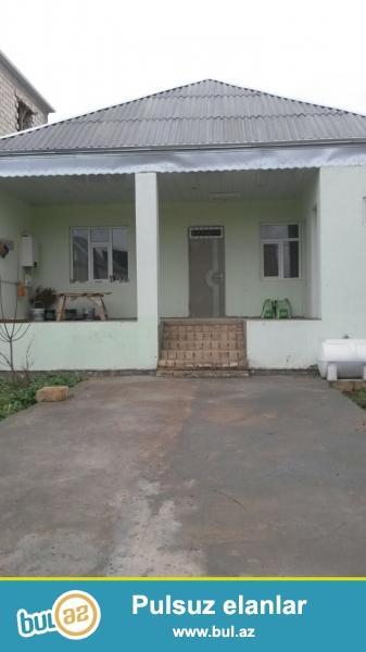 Mehdiabadda Vusal sadliq evinin yaninda 120 kv 8 daw kursulu 3 otaqli ev satilir...