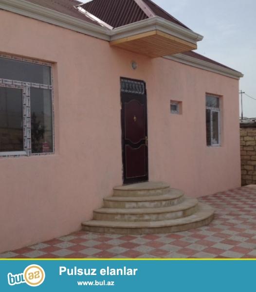 Bilgeh-de albaliliq (taksimotornu) terefde trasdan 70metr iceride 3sot torpaqin icinde 3otaq euro remontlu heyet evi satılır...