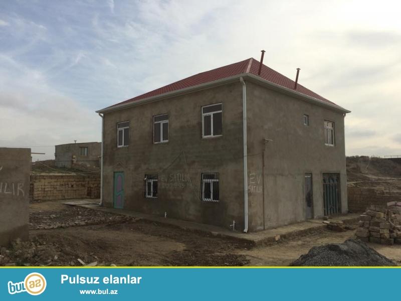 Sabuncu Rayonu. Pirsagi Qesebesinde. Yeni Tikilmekde Olan Korpunun Duz Yaninda...