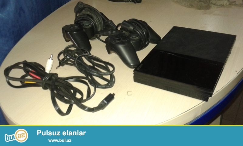 Playstation 2 təcili satılır yaxşı vəziyyətdə...