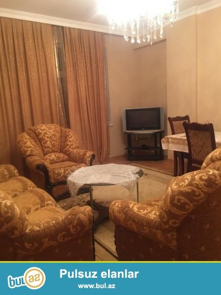 Очень  срочно  сдаётся 2х комнатная квартира на долгий срок по  улицу   Джафар Хандам  около (Гранд Маркета) ...