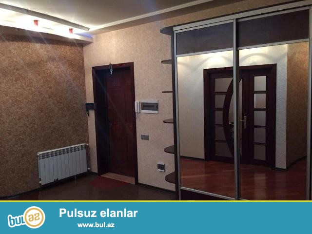Nərimanov r. H.Əliyev mərkəzinin yaxinliqinda 18/9 mertebedə ,4otaqli 180 m2 sahəsi ...
