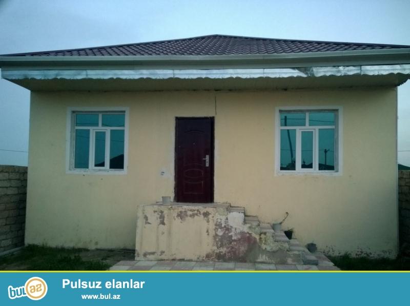 RAMIN Sabunçu rayonu Ramana qəsəbəsi əsas yoldan 50 metr məsafədə 2 sot torpaq sahəsində 5 daş kürsüdə ümumi sahəsi 100 kv...
