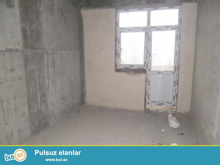 Yeni Yasamalda  1otaqli padmayaq menzil, 65kv, tam yasayisli bina  12/11-ci mertebesi, panorama sehere dir, 2otaqa duzeltmek olar