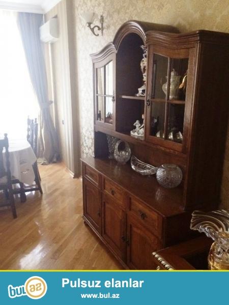 В Ясамальском районе,по проспекту Тбилиси,около Чыраг Плаза срочно сдается 4-ех комнатная квартира...