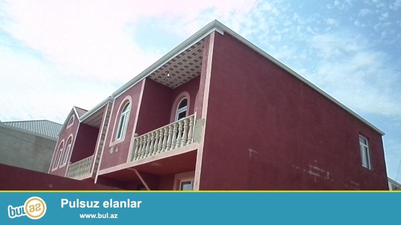 biləcəridə 5 otaqlı 2 hamam tualetdən ibarət balkonlu əla təmirli kupçalı 2 mərtəbə ev satılır.