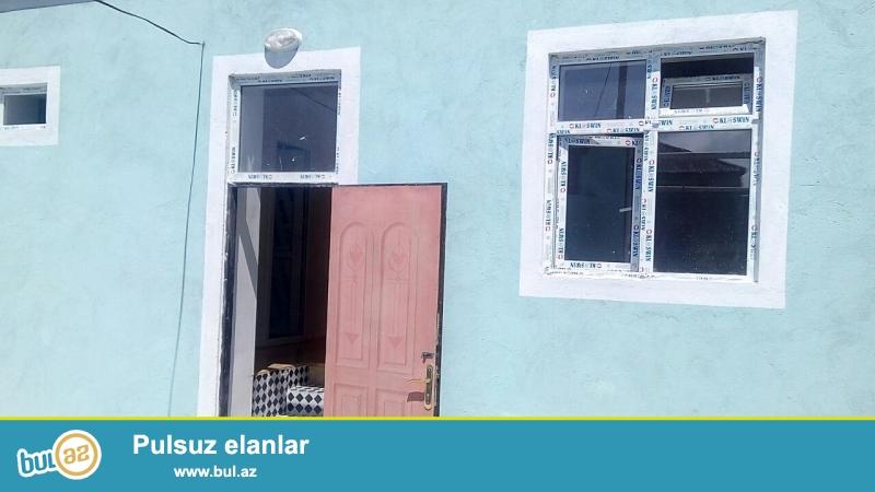 Ramin Sabunçu rayonu Savxoz Ramana qəsəbəsində əsas yoldan 50 metr məsafədə 1...