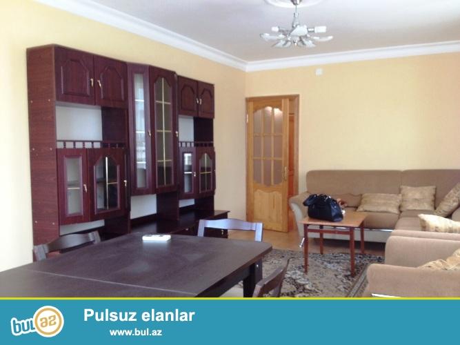 Cдается 3-х комнатная квартирав центре города, по просекту Азадлыг, рядом с Насиминским рынком...