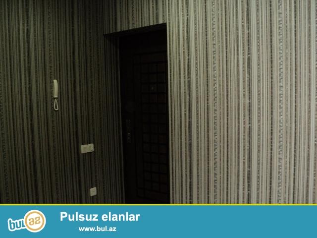 В Ясамальском районе,около Бизим Маркета срочно продается 3-ех комнатная квартира компании МТК-ИНАМ БАЙРАМ...
