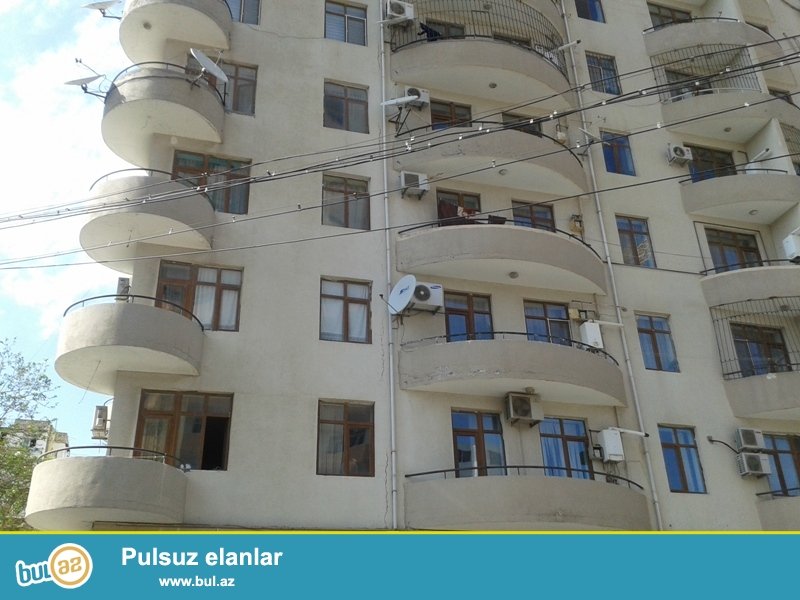 Продается 3-х комнатная квартира, по улице Инглаб, напротив Асан хидмят, общая площадь 123 кв...