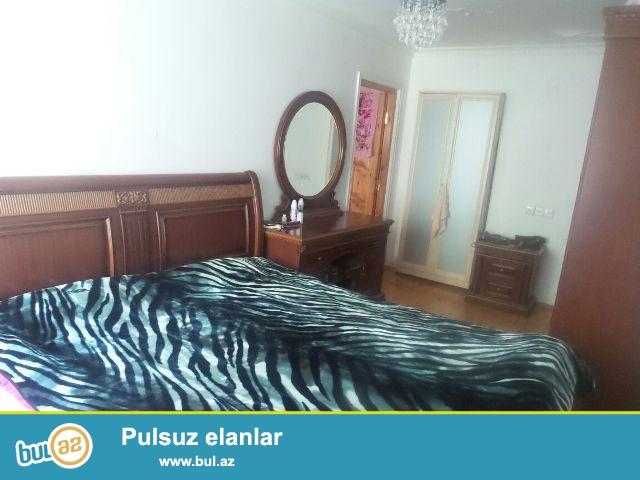 Продается  3-х  комнатная  квартира  около    метро Иншаатчылар  ...