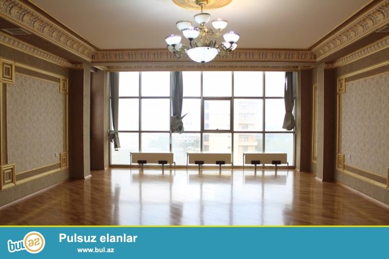 Nəsimi rayonu Azadlik Prospekti 46,Yeni Tikili Bina 18/10 Ümumi Sahəsi 220 kv...
