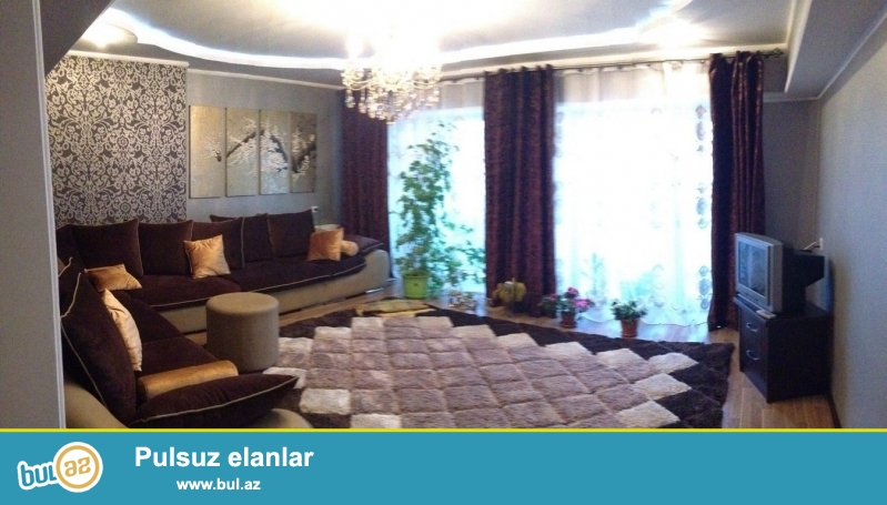 Очень срочно!  Рядом с м/с Хези Асланова   продается  4-х комнатная квартира нового строение 17/17, площадью 150 квадрат (переделанная в дуплекс) ...