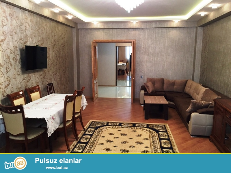 В Наримановском районе,около д/т Моно Лиза сдается 3-ех комнатная квартира...
