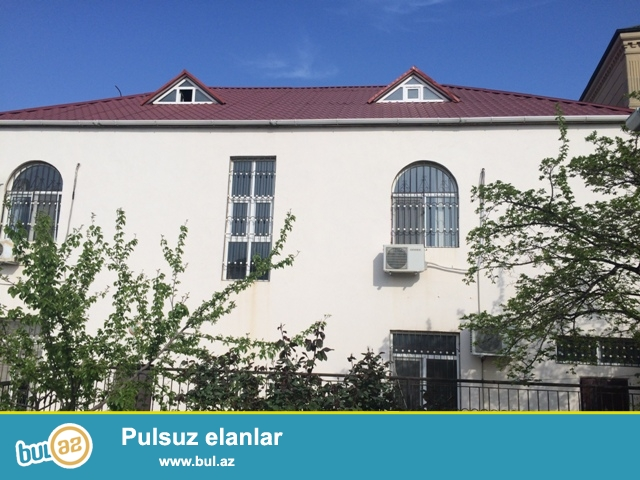 Varovski  qəsəbəsi,  Daxili  qoşunların  yanında  3 mərtəbəli  villa  satılır...