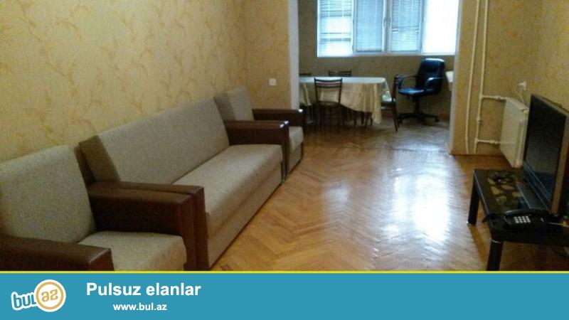 Cдается 2-х комнатная квартира,в центре города, по проспекту Строителей, рядом с ЦСУ...