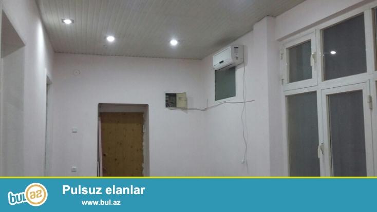 Nizami kinoteatrının yanında, 3 otaqlı Ofis kiraye verilir, 1-ci mərtəbədə, 100 m2, yaxşı təmir, ayrı-ayrı otaqlar, mebelsiz, parket, s/q təmirlidir, telefon, hər şəraiti var, başlınıcıq qiymət - 800 azn...