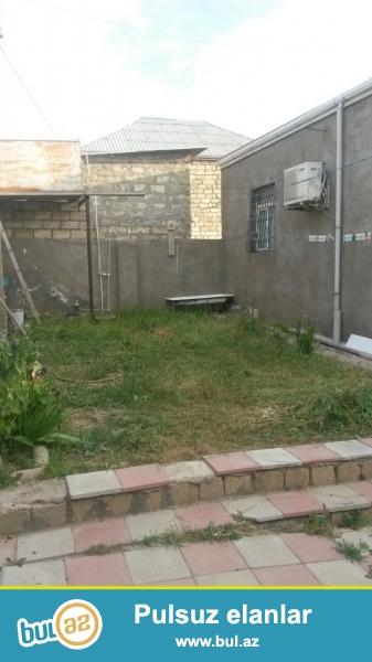 Bineqedide 133 nomreli marwurutun son   dayanacagina   yaxin    3 sotda   95 kv    6 daw  kursulu  3 otaq   h/t, metbex  temirli heyet   evi  satilir...