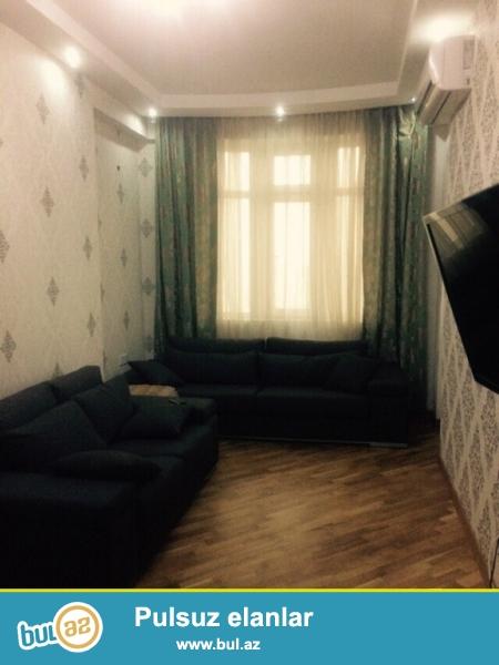 Очень срочно! Около *АМИ*  в   *REAL MTK* Сдается в аренду 3-х комнатная квартира нового строения , 96 квадрат  16/20 , квартира с супер евроремонтом, полностью обставленная  мебелью...