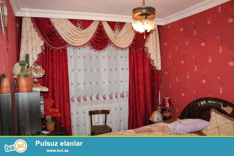 В Сабунчинском районе,в поселке Бакиханова(Разин),около Асан Хидмет очень срочно продается 3-ех комнатная квартира...